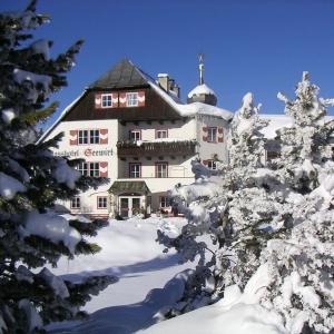 Schlosshotel Seewirt****